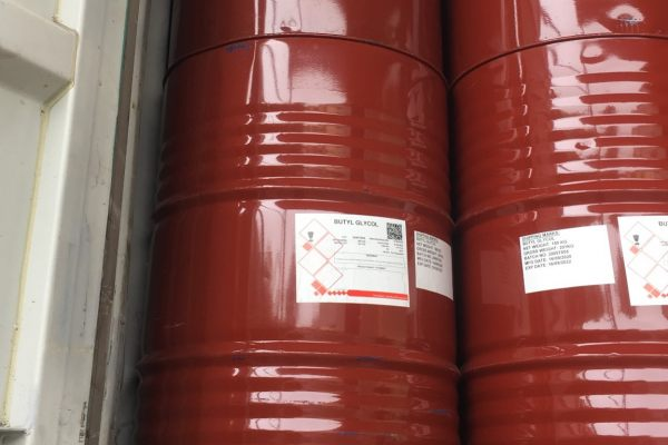 Butyl cellosolve (BCS) khan hàng.